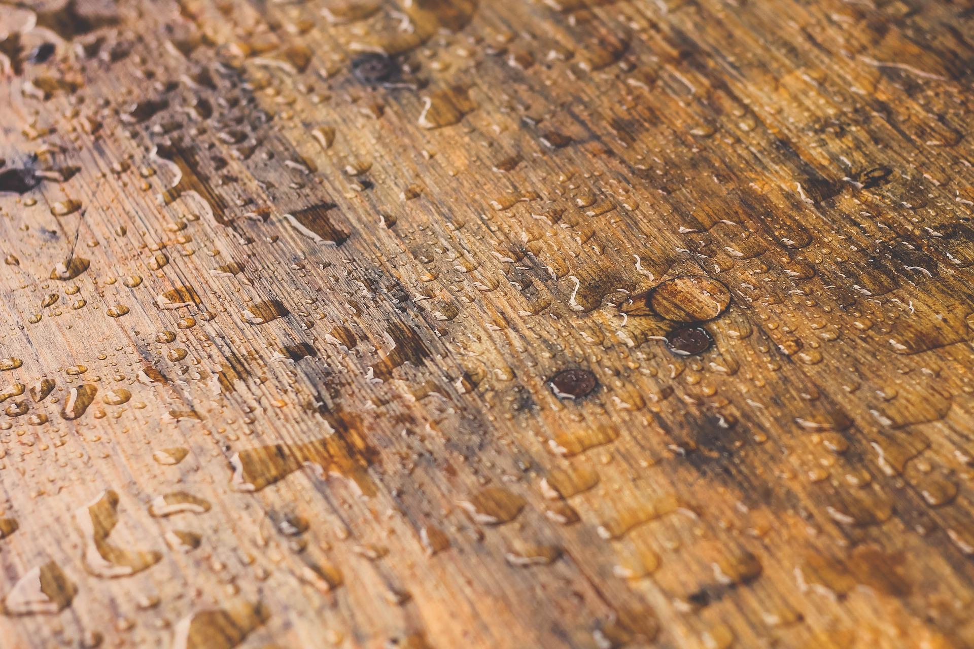 Tidying Wooden Floors